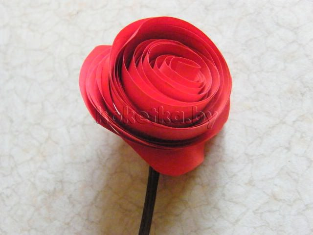 Мастер-класс о том, как сделать из бумаги розу окончен.