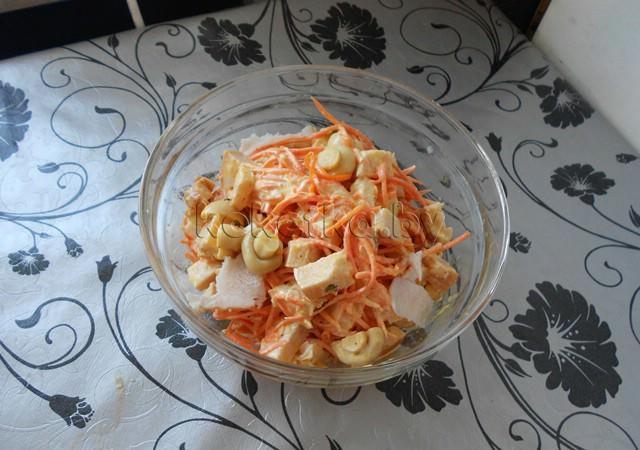 Салат с корейской морковью и курицей — 22 рецепта с фото ...