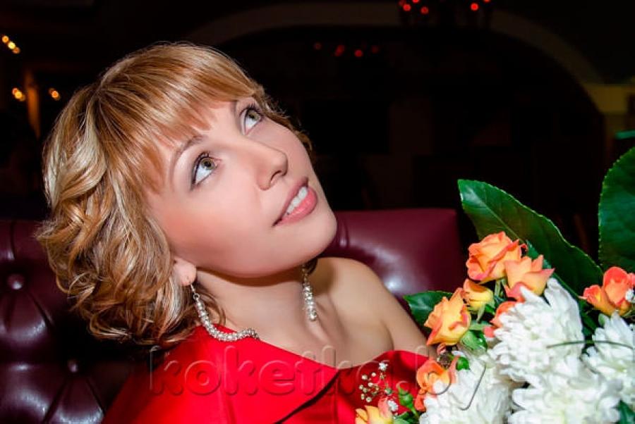 Фото красивых девушек и цветы