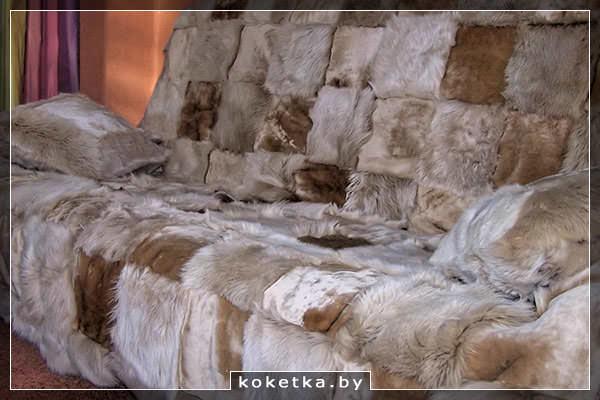 Покрывало на диван из меховых кубиков