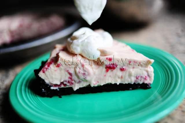 Рецепт приготовления вкусного сладкого пирога с кремом