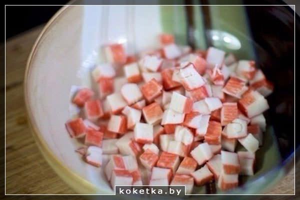 Крабовые палочки кубиками