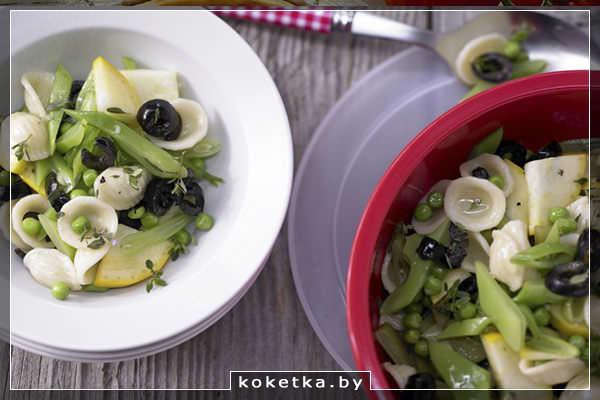 Салат из пасты с овощами