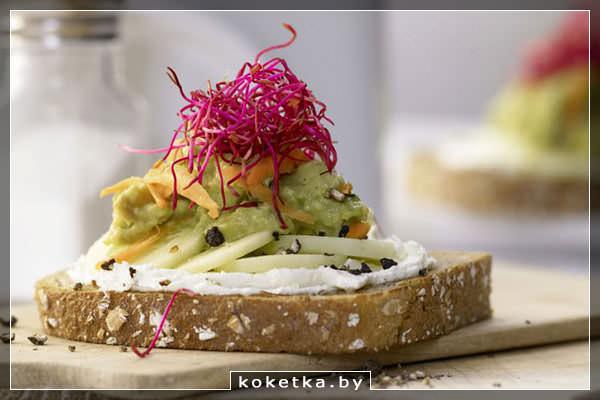 Бутерброды со сливочным сыром и овощами - начинаем день с полезного завтрака
