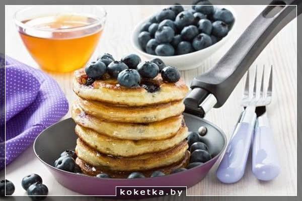 Оладьи черничные - приготовьте их на завтрак в выходной