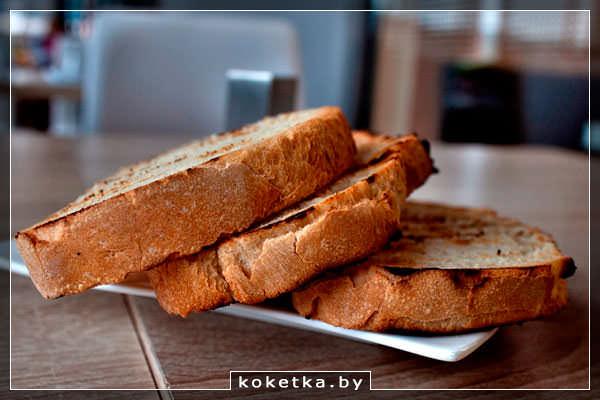 Жареный хлеб гренки